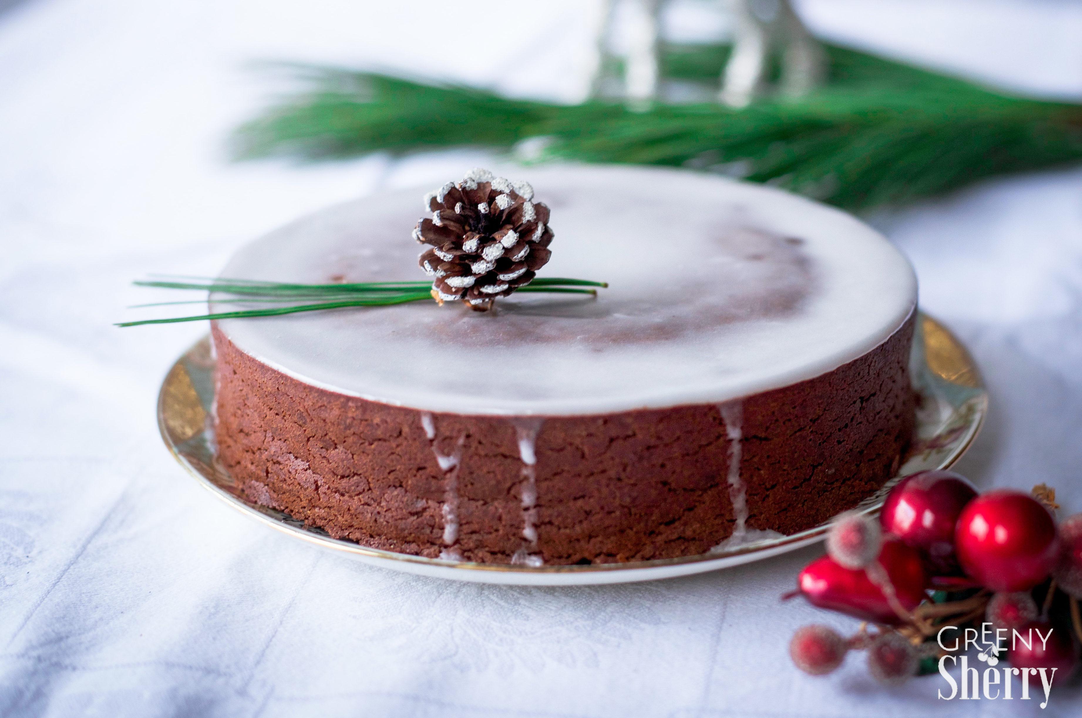 Saftiger Lebkuchen-Schokoladen Kuchen [vegane Weihnachten] - Greeny ...